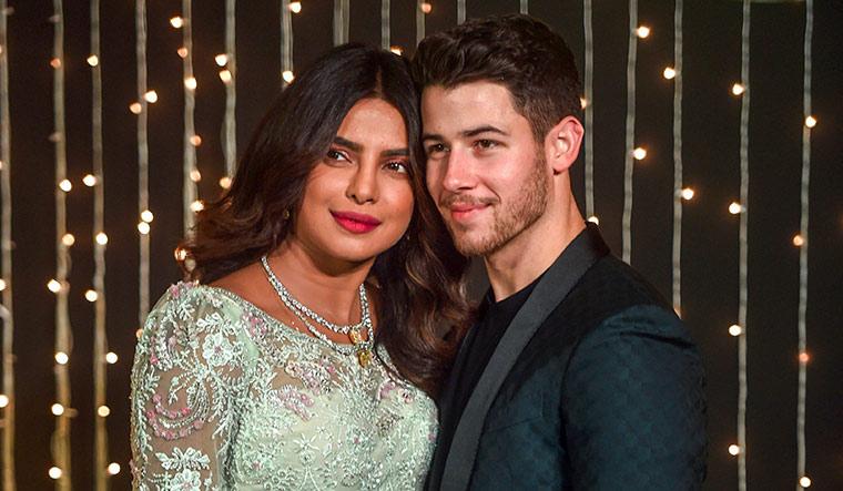 72-Priyanka-Chopra-and-Nick-Jonas