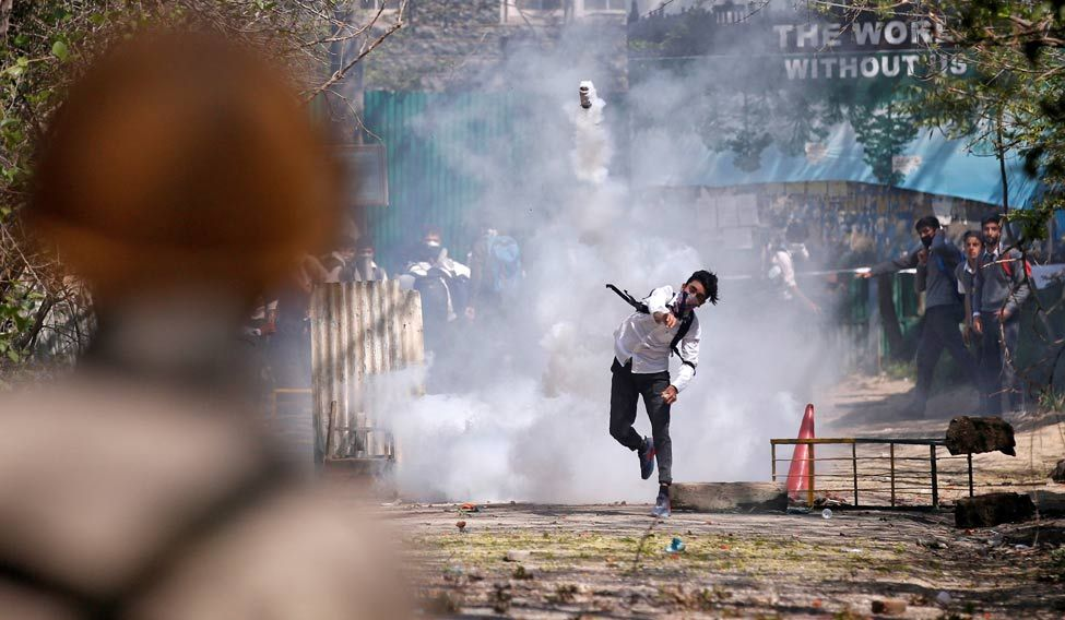Make rehab policy for Kashmiri youths: Centre to Mehbooba Mufti government