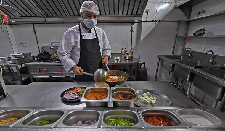 mumbai-restaurant-lockdown-amey7