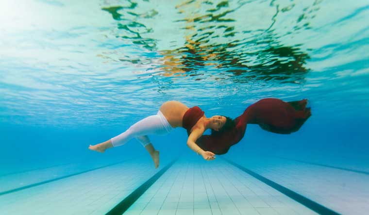 Underwater wedding, maternity photoshoots are what this photographer loves