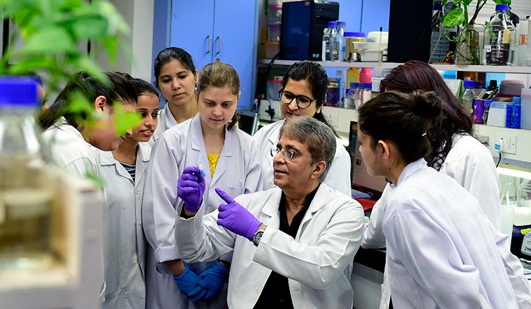 Decoding cancer: Dr Anil Suri, former director, National Institute of Immunology, and his team are developing new therapeutic strategies in cervical  cancer treatment | Sanjoy Ghosh