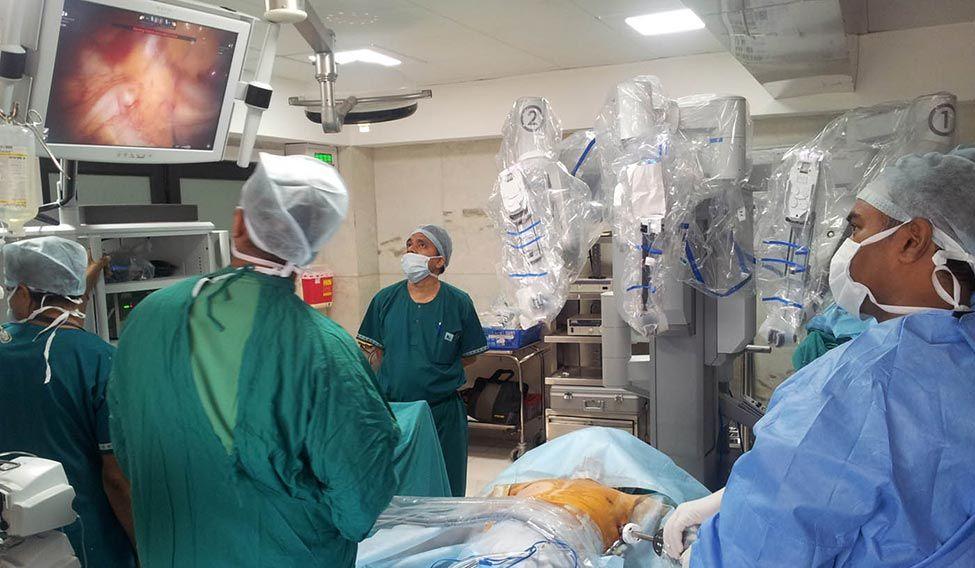 32-robotic-surgery