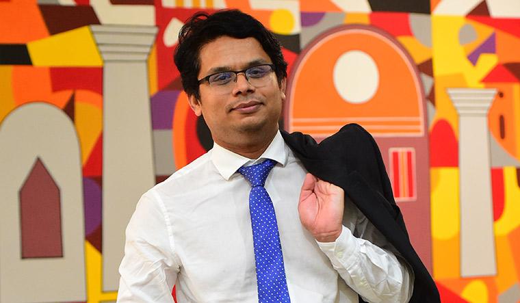 Dr Dinesh Thekkinkattil | Sajeesh Sankar