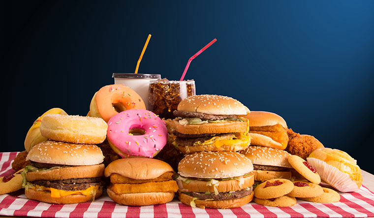 13-junk-food-increase-cancer-risk