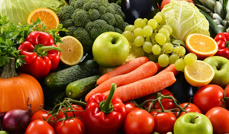 Healthy diet and exercise boost survival after colon cancer diagnosis