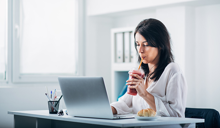 6-is-workplace-snacking