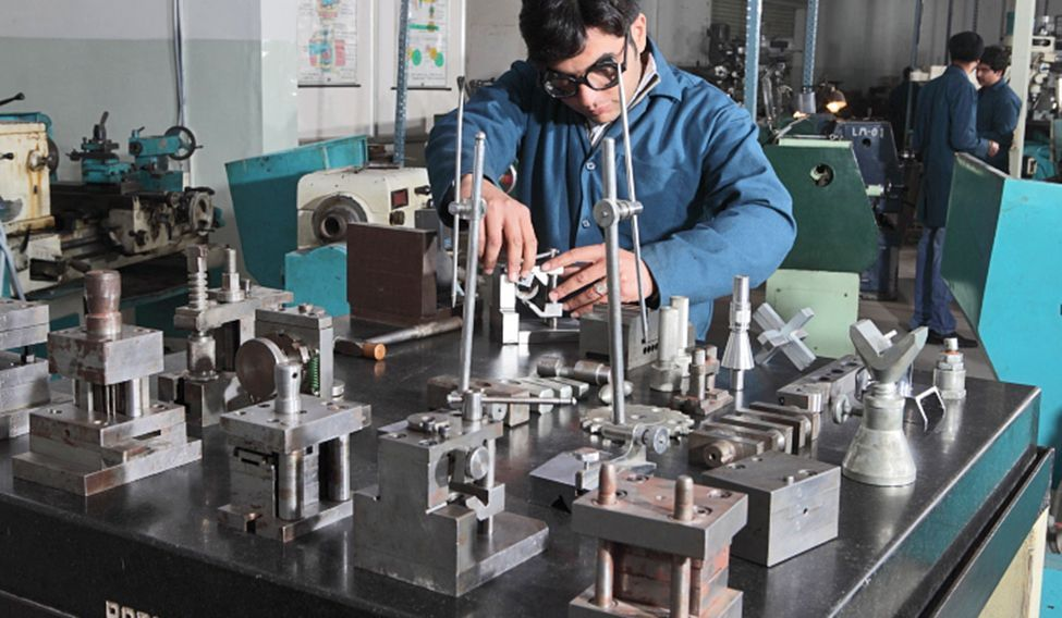 Few takers for engineering courses in MP, colleges face closure