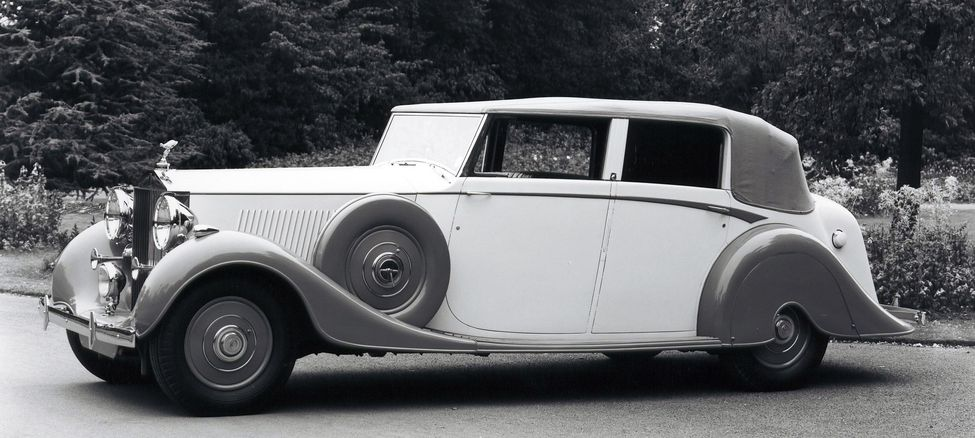 64-Rolls-Royce-Phantom