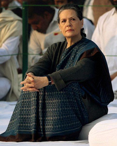 38-Sonia-Gandhi-new