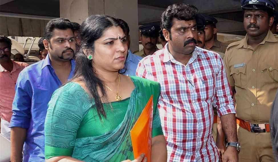 Achuthanandan demands probe into Saritha's allegations