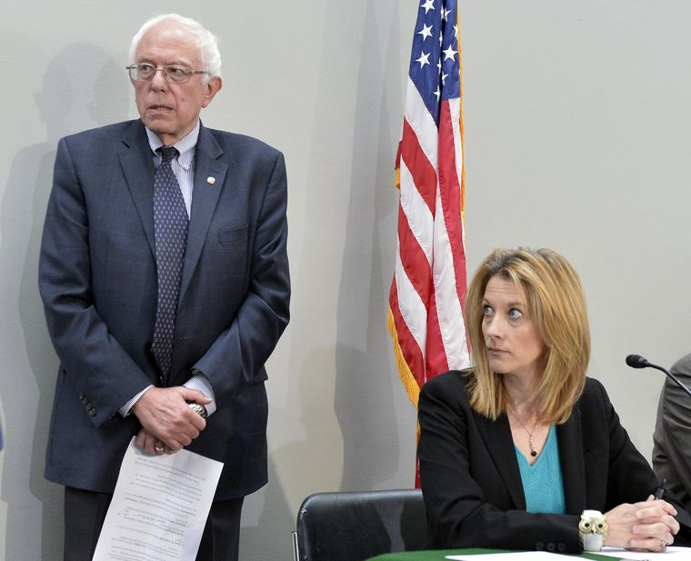 Politics and policy: US Senator Bernie Sanders with MMT economist Stephanie Kelton, who advised him when he ran for US president early this year | Alamy