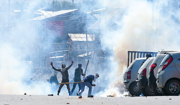 Fire and fury: Violence continued unabated in Kashmir even during Ramzan | AFP