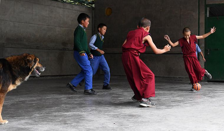 58-tibetan-children