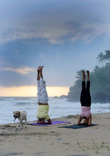 Seaside asanas: A session of sunset yoga by Shyla and her friend Cristian in Varkala | Sanjoy Ghosh