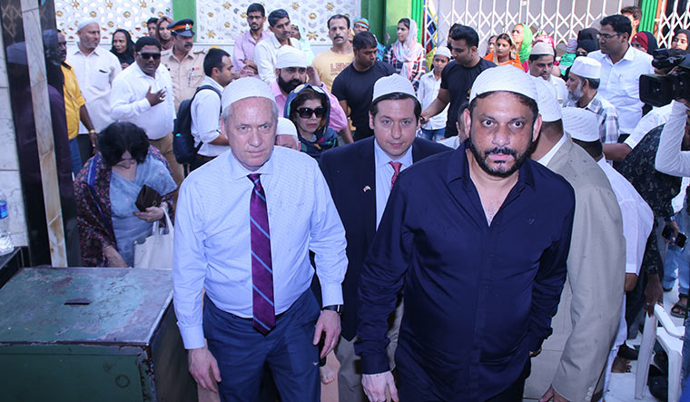 Messenger of peace: Tom Tait, mayor of Anaheim in California, during his visit to Mahim Dargah in Mumbai as part of the Strong Cities Network initiative.