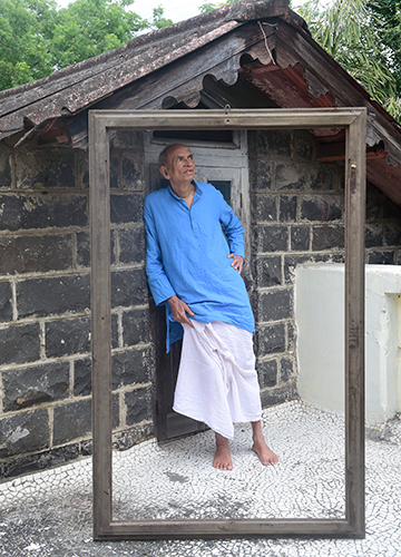 Devoted to his roots: Gadgil outside his ancestral home in Pune.