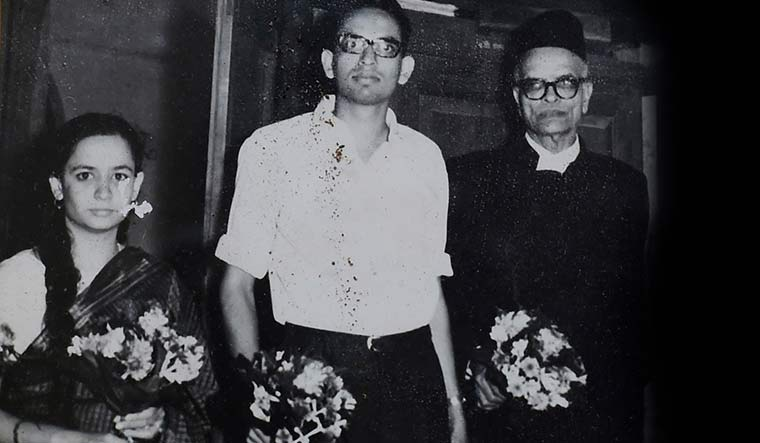 Newlyweds Gadgil and Sulochana with his father | Madhav Gadgil Collections