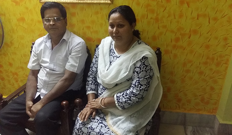 Elusive justice: Anjan Chakraborty and wife, Jhunjhun, at their Kolkata home | Rabi Banerjee