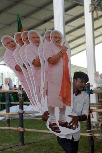 In modi, we trust: BJP workers preparing for Narendra Modi's rally at the Brigade Parade Ground in Kolkata On April 3 | Salil Bera