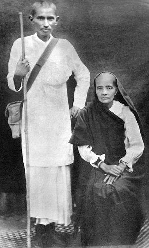 Unusual relation: Gandhi with his wife, Kasturba, in South Africa in 1913 | Dinodia