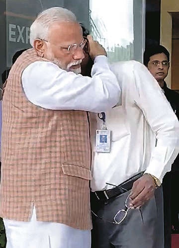Emotionally drained: Prime Minister Narendra Modi consoles ISRO chairman K. Sivan after communication with the lander was lost