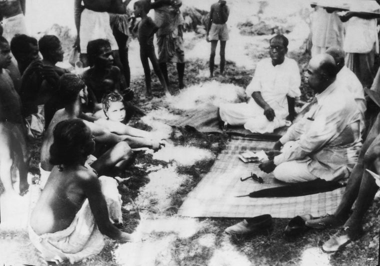 Meeting refugees from East Bengal at Bongaon in 1952 | Courtesy Spmrf