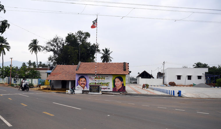 Status upgrade: Palaniswami's native village Siluvampalayam has become a model village with well-laid roads, street lights and other basic amenities | Bhanu Prakash Chandra
