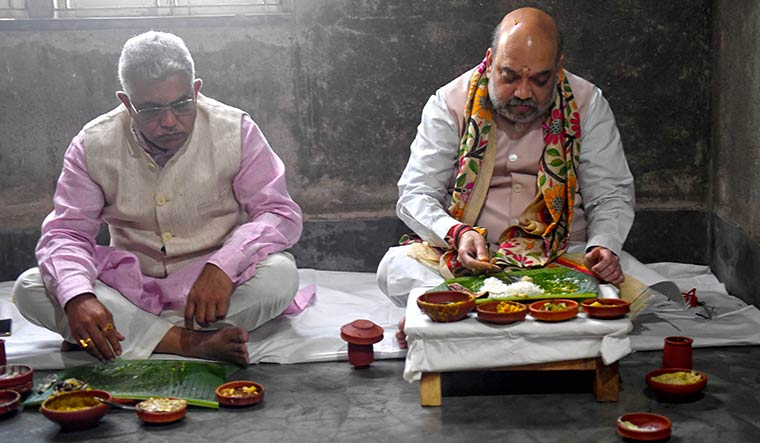 Generals' luncheon: Ghosh has a meal with Amit Shah in Kolkata.