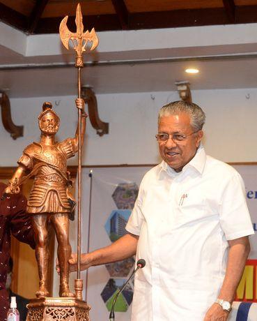 Pinarayi Vijayan | Manoj Chemancheri