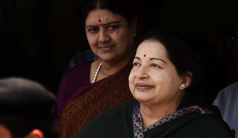 32-Sasikala-and-Jayalalithaa