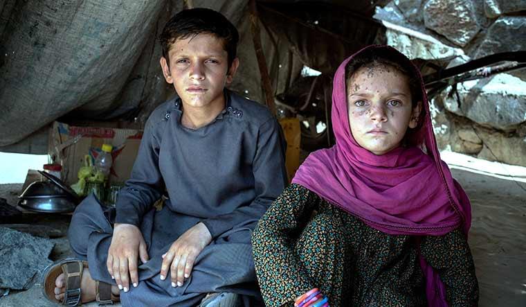 28-Children-at-a-refugee-camp