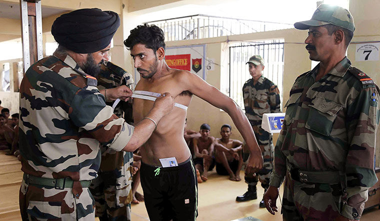 [File] A physical fitness test under way at an Army recruitment rally in Ajmer, Rajasthan | Representative image / PTI