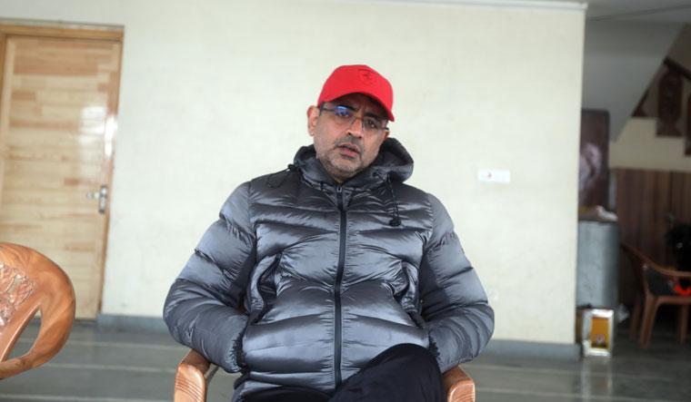 Rakesh Nischal   Umer Asif