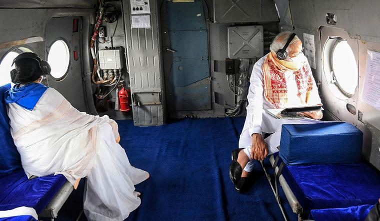 INDIA-BANGLADESH-WEATHER-CYCLONE-POLITICS