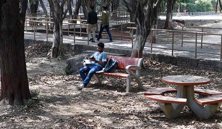 72-Jawaharlal-Nehru-University