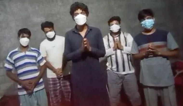 14-Thamizhselvan-Rengasamy-Mandar-Worlikar-Aniket-Yenpure-Naveen-Singh-and-Pranav-Kumar