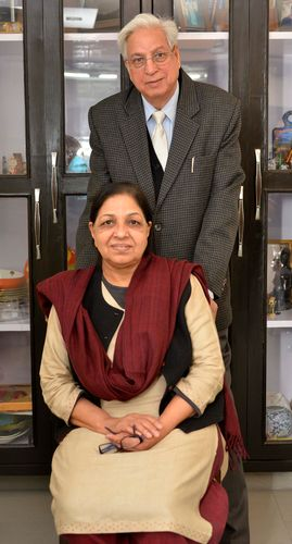Love for letters: Professors Abhai and Vibha Maurya at their residence | Arvind Jain