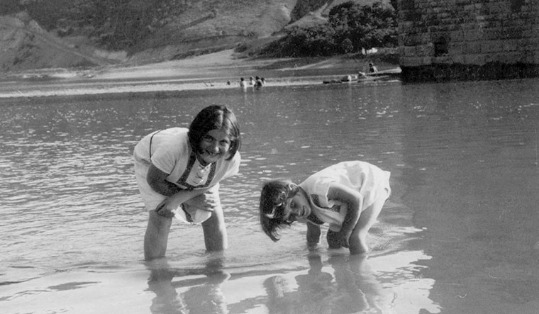 Good times: Renia (left) with Elizabeth in the Dniester river 1935 | Bellak family archives
