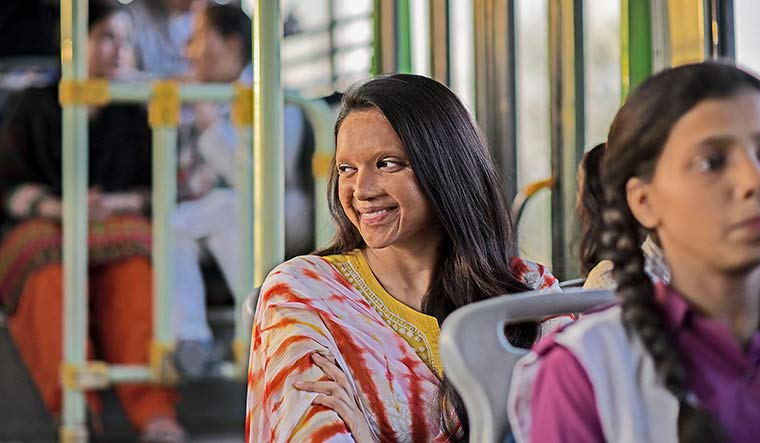 Chhapaak (2020) - the film is based on the life of acid attack survivor laxmi agarwal.