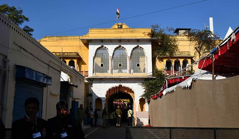 The entrance to the Diggi Palace | Sanjay Ahlawat