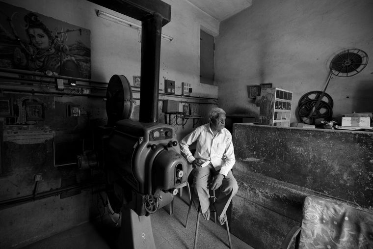 A projector operator at a single-screen in Gujarat  | Hemant Chaturvedi