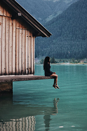 Akshaya by the Achensee Lake in Austria (she prefers to let her viewers focus on the place instead of her)