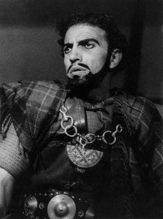 Ebrahim Alkazi as Macbeth