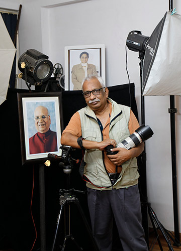 Focus on leaders: Lucknow-based photographer Syed Mohammed Athar Husain | Pawan Kumar