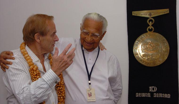 Enduring warmth: Evans with chief editor K.M. Mathew at Malayala Manorama, Kottayam, Kerala | Rockie George