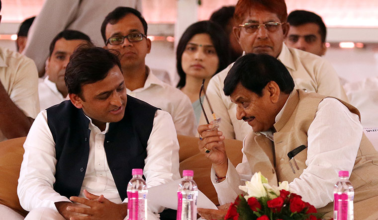 82-akhilesh-and-shivpal-yadav