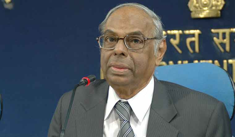 The Chairman, Economic Advisory Council to PM, Dr. C. Rangarajan addressing a Press Conference on Review of Economy 2009-10, in New Delhi on February 19, 2010.