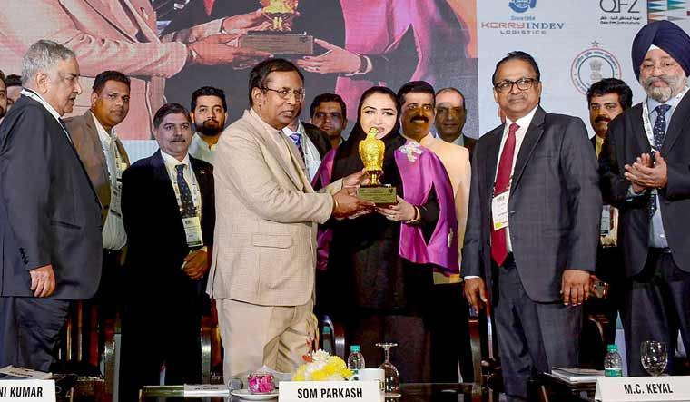 Som-Prakash-Logix-award-PTI