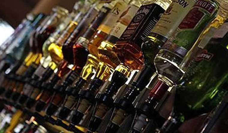 Kerala: Liquor sales touch record high of Rs 14,508 cr in 2018-19