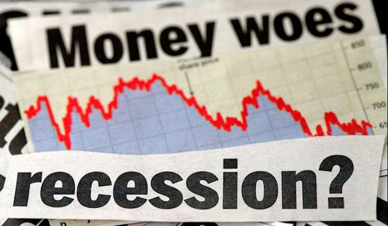 34% of economists in survey expect a US recession in 2021